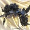 Ободок с шелковыми цветами черный