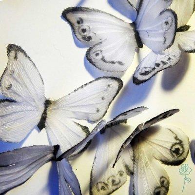бабочки из шелковой ткани